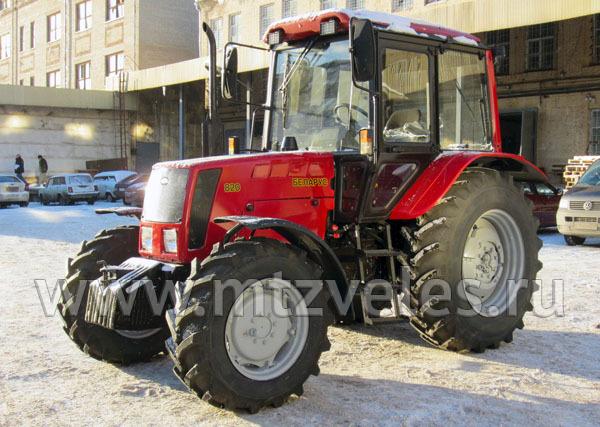 Трактор МТЗ 820 (облицовка - пластик)