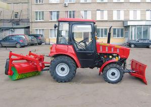 Коммунальный трактор КМ-320БГ