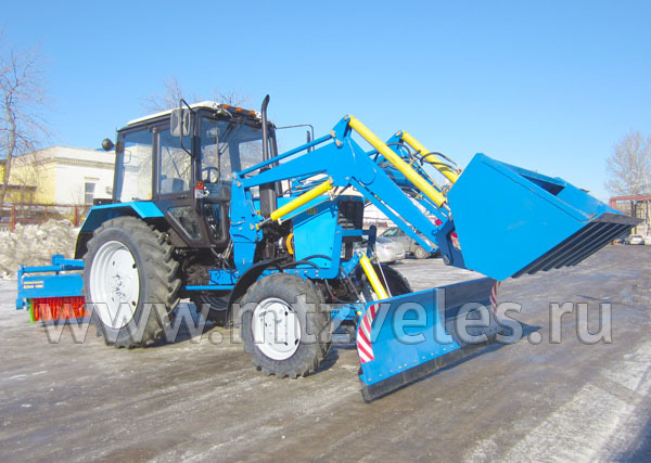 Трактор уборочный ПФС-0.75БКУ, гибрид