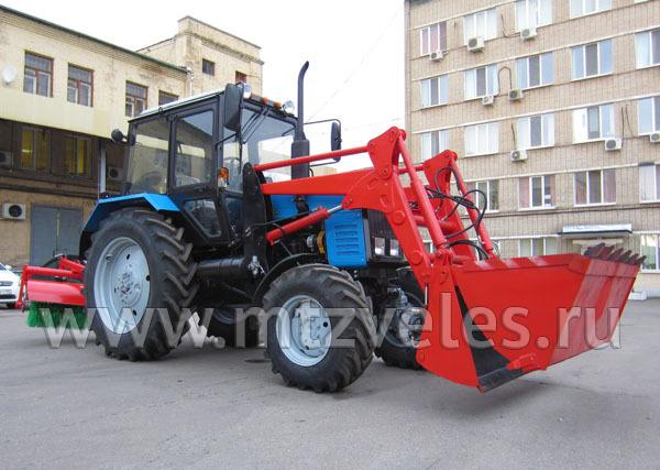 Коммунальный трактор ПФС-0.75БКУ